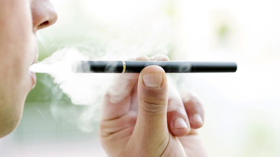 Palenie e-papierosów czy na pewno dla zdrowia?! [strefazdrowie.pl]
