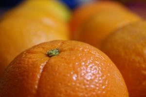 Cytrusy bezwględnie powinny być myte przed jedzeniem