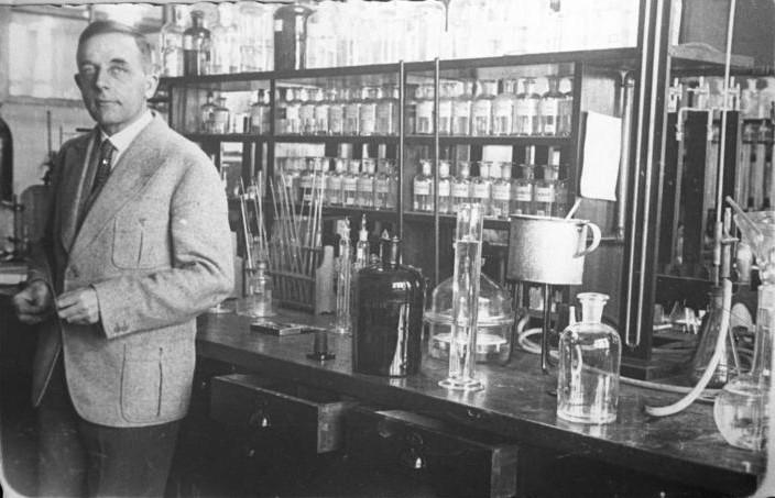 Nagrodzony NOBLEM w 1931 roku