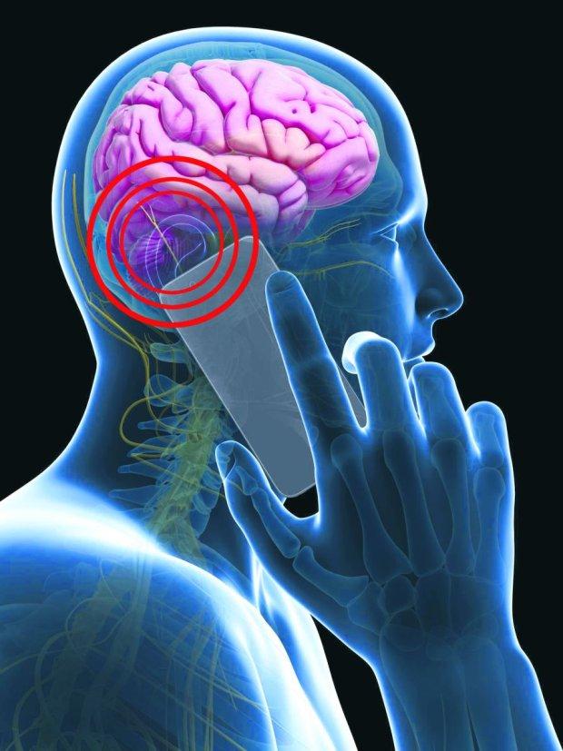 Związek powstawania nowotworów z oddziaływaniem telefonów komórkowych